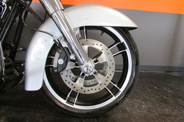 2014 Harley-Davidson Street Glide® Base Arlington, Texas 7