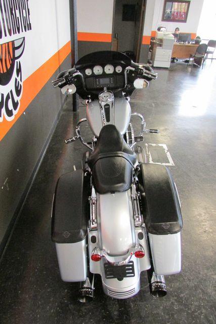 2014 Harley-Davidson Street Glide® Base Arlington, Texas 9