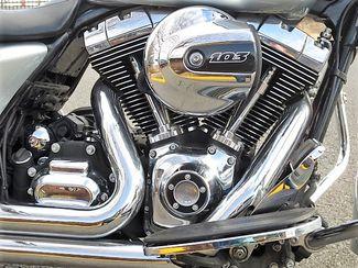 2014 Harley-Davidson Street Glide® Base Bend, Oregon 16