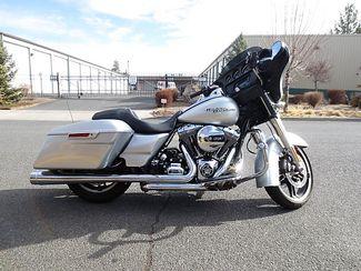 2014 Harley-Davidson Street Glide® Base Bend, Oregon 4