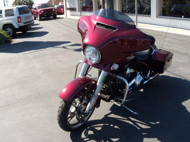 2014 Harley-Davidson Street Glide® Special Ephrata, PA 11