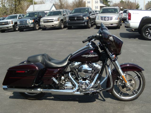 2014 Harley-Davidson Street Glide® Special Ephrata, PA 1