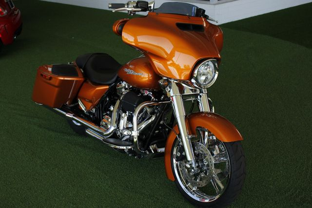 2014 Harley-Davidson Street Glide FLHX - UPGRADES GALORE! - IMMACULATE! Mooresville , NC 11