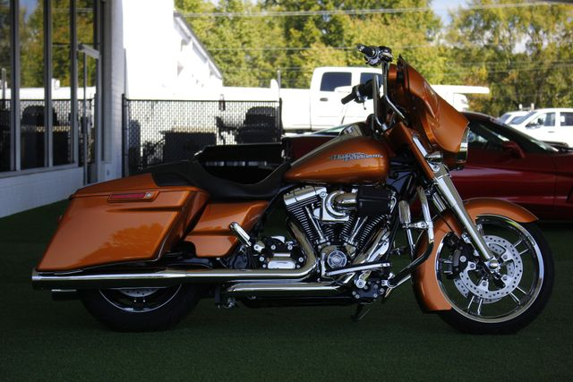 2014 Harley-Davidson Street Glide FLHX - UPGRADES GALORE! - IMMACULATE! Mooresville , NC 7