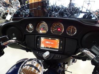 2014 Harley-Davidson Trike Tri Glide® Ultra Anaheim, California 16