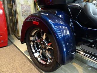 2014 Harley-Davidson Trike Tri Glide® Ultra Anaheim, California 17