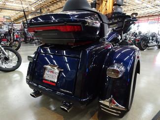 2014 Harley-Davidson Trike Tri Glide® Ultra Anaheim, California 27