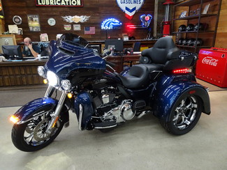 2014 Harley-Davidson Trike Tri Glide® Ultra Anaheim, California 30