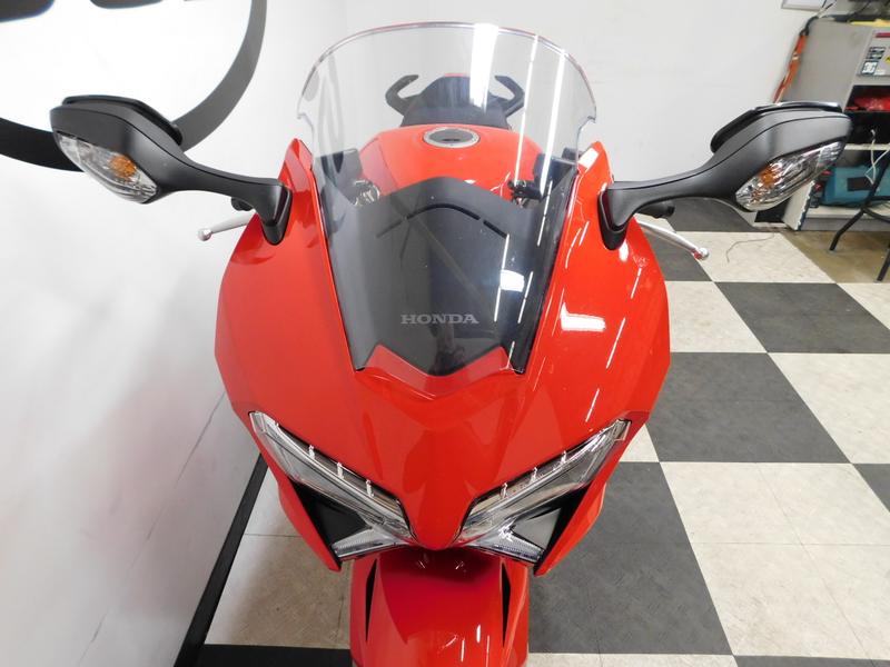 2014 Honda Interceptor VFR800  in Eden Prairie, Minnesota