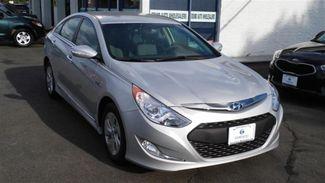 2014 Hyundai Sonata Hybrid 4dr Sdn East Haven, CT 3