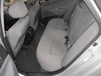 2014 Hyundai Sonata Hybrid Farmington, Minnesota 3