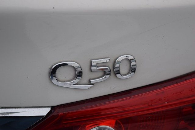 2014 Infiniti Q50 Premium Richmond Hill, New York 10