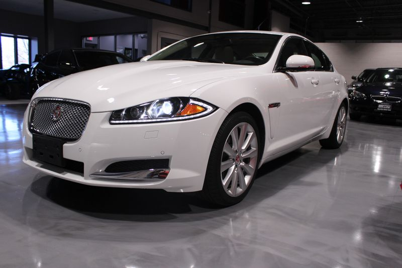 2014 Jaguar XF V6 SC  Lake Forest IL  Executive Motor Carz  in Lake Forest, IL