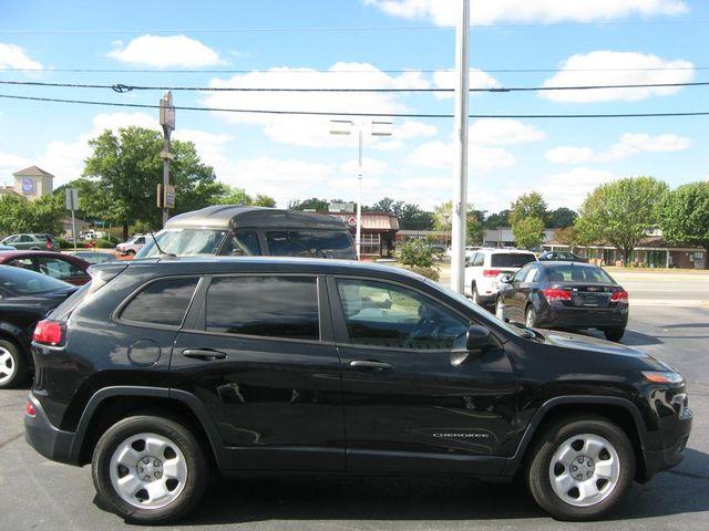 2014 Jeep Cherokee  Sport 4X4 Richmond, Virginia 4