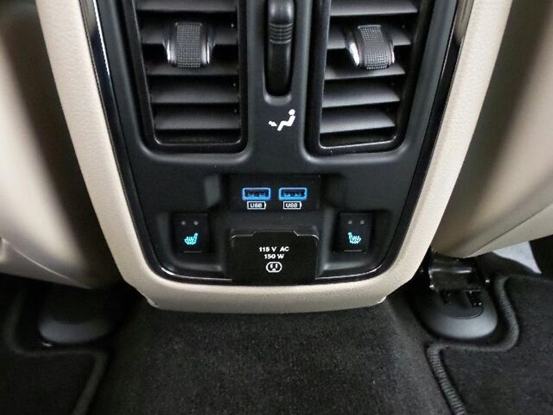 2014 Jeep Grand Cherokee Limited  in Victoria, MN