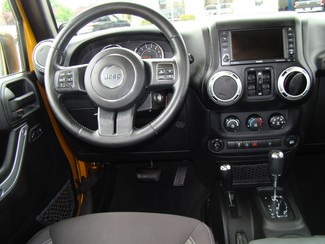 2014 Jeep Wrangler Unlimited Sahara Bettendorf, Iowa 14