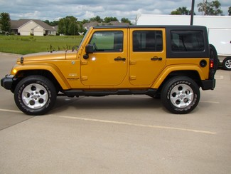 2014 Jeep Wrangler Unlimited Sahara Bettendorf, Iowa 29