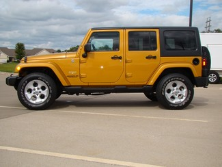 2014 Jeep Wrangler Unlimited Sahara Bettendorf, Iowa 22