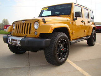 2014 Jeep Wrangler Unlimited Sahara Bettendorf, Iowa 0