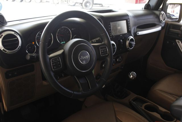 2014 Jeep Wrangler Unlimited Rubicon 4x4 - LIFTED - NAVIGATION! Mooresville , NC 32