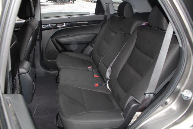 2014 Kia Sorento LX W/ CONVENIENCE PACKAGE (7 SEAT) - 3RD ROW! Mooresville , NC 10