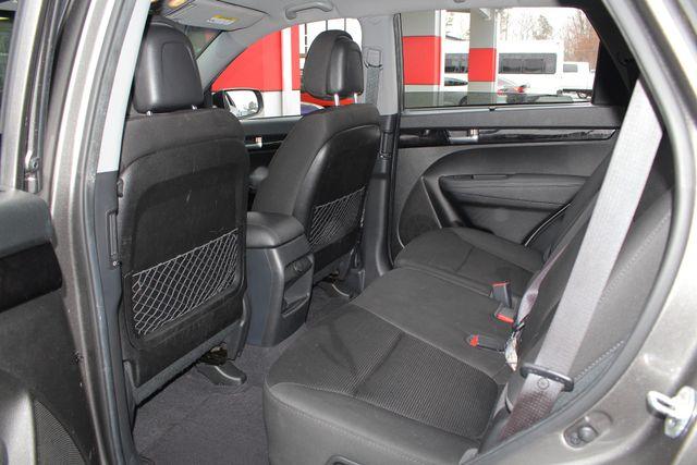 2014 Kia Sorento LX W/ CONVENIENCE PACKAGE (7 SEAT) - 3RD ROW! Mooresville , NC 40