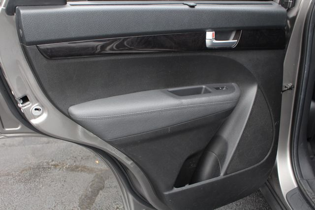 2014 Kia Sorento LX W/ CONVENIENCE PACKAGE (7 SEAT) - 3RD ROW! Mooresville , NC 44
