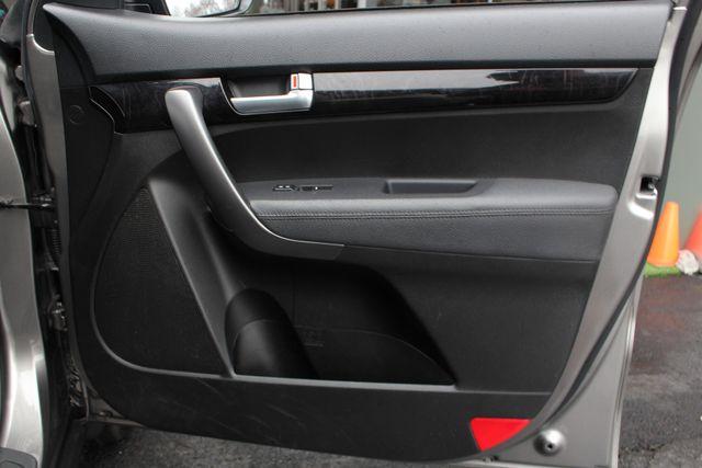 2014 Kia Sorento LX W/ CONVENIENCE PACKAGE (7 SEAT) - 3RD ROW! Mooresville , NC 43