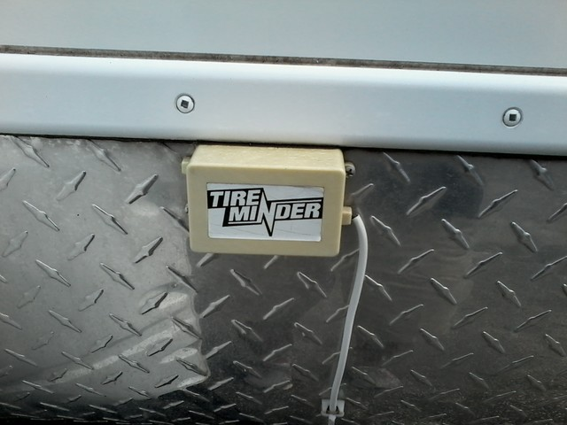 2014 Lance  Travel Tailer 1985 with Slide  4 SEASONS CERTIFIED San Antonio, Texas 31