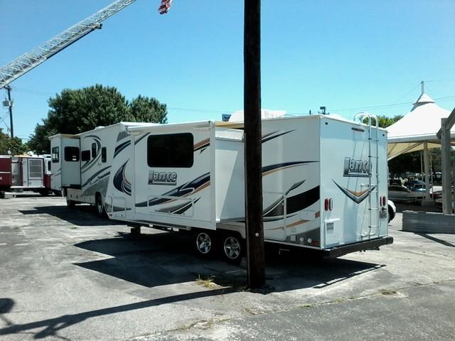 2014 Lance  Travel Tailer 1985 with Slide  4 SEASONS CERTIFIED San Antonio, Texas 4