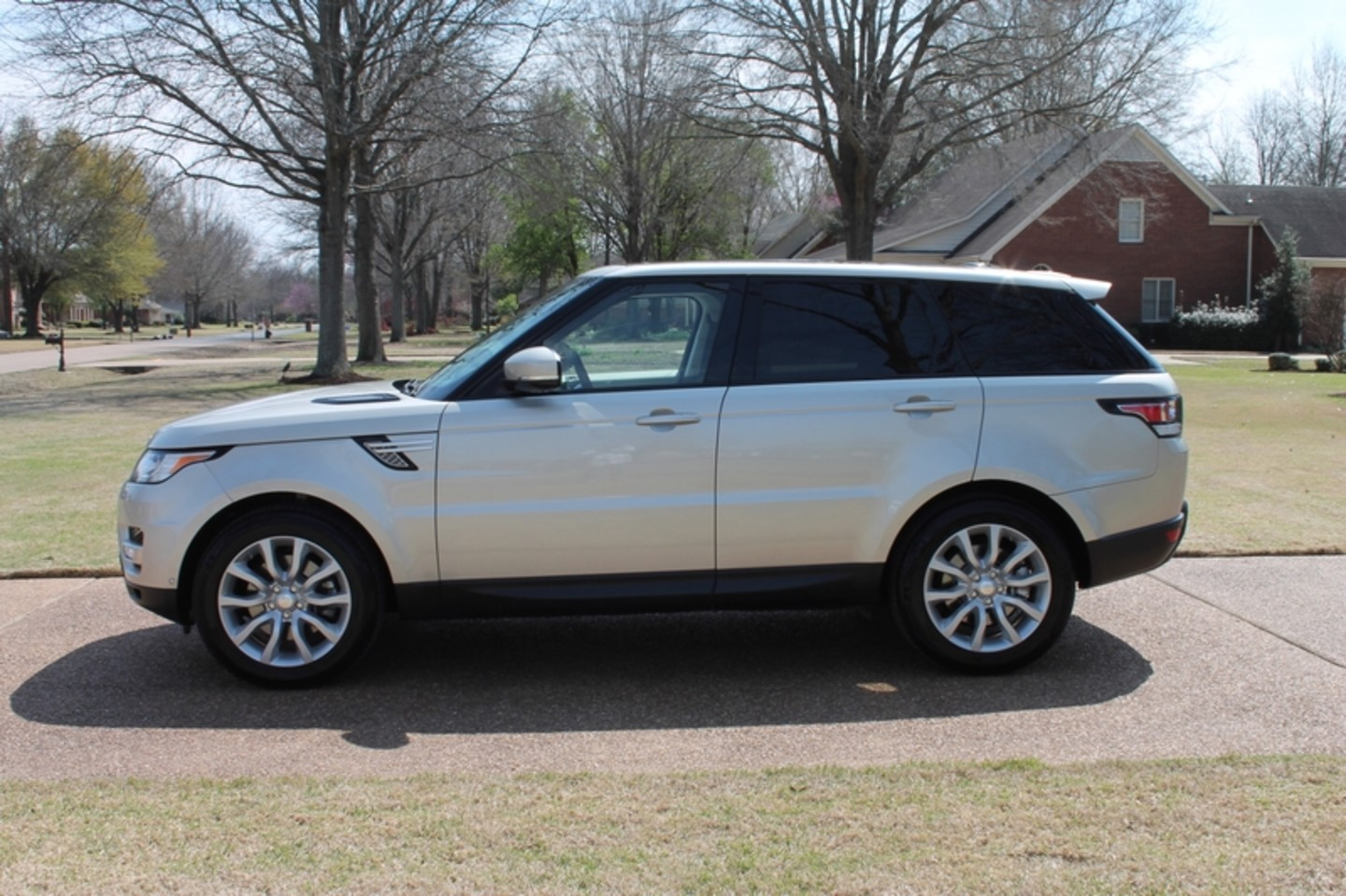 2014 land rover range rover sport hse supercharged price used cars memphis hallum motors. Black Bedroom Furniture Sets. Home Design Ideas