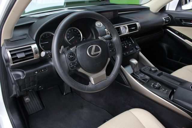 2014 Lexus IS 250 RWD - SUNROOF - ONE OWNER! Mooresville , NC 32