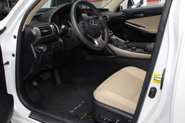 2014 Lexus IS 250 RWD - SUNROOF - ONE OWNER! Mooresville , NC 30