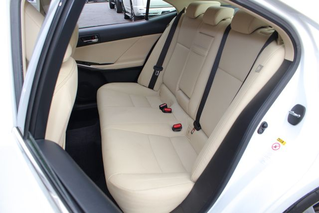 2014 Lexus IS 250 RWD - SUNROOF - ONE OWNER! Mooresville , NC 10