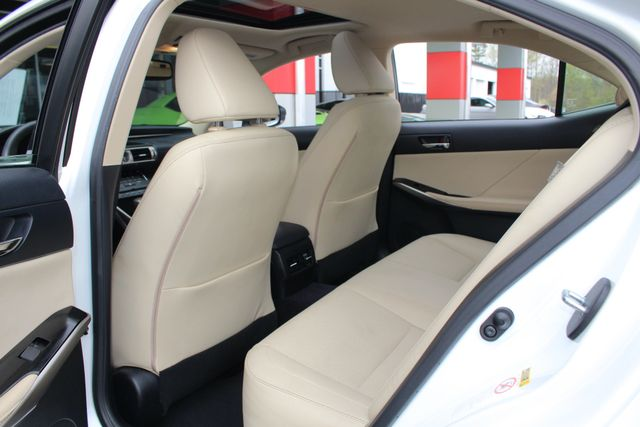 2014 Lexus IS 250 RWD - SUNROOF - ONE OWNER! Mooresville , NC 40