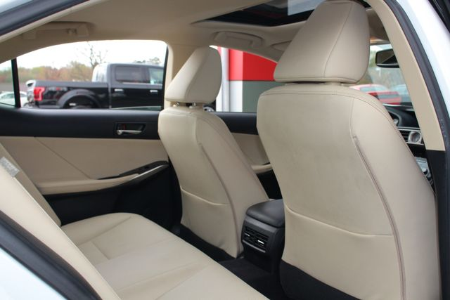 2014 Lexus IS 250 RWD - SUNROOF - ONE OWNER! Mooresville , NC 41