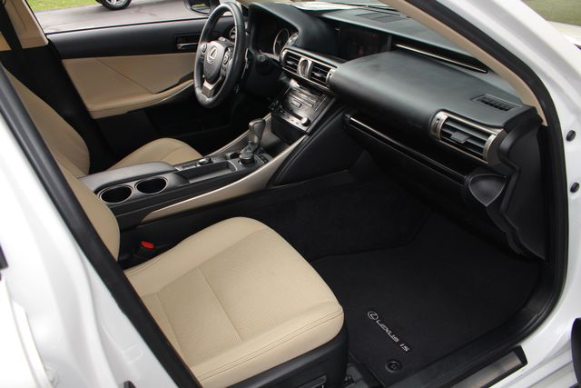 2014 Lexus IS 250 RWD - SUNROOF - ONE OWNER! Mooresville , NC 33