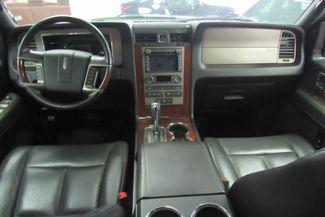 2014 Lincoln Navigator L W/ NAVIGATION SYSTEM/ BACK UP CAM Chicago, Illinois 26