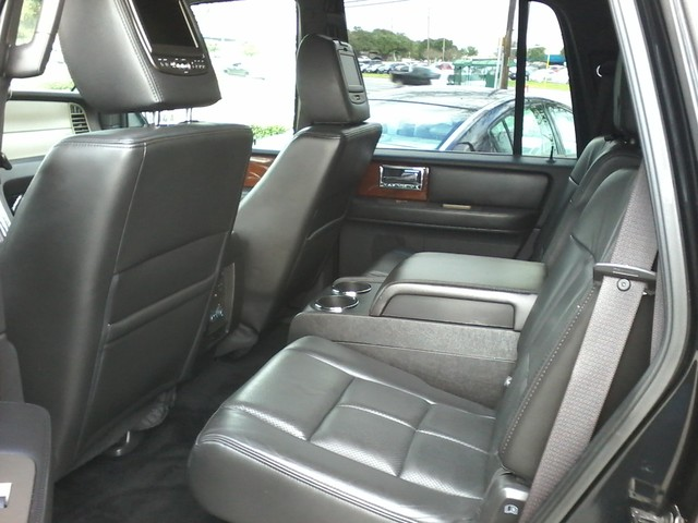 2014 Lincoln Navigator AWD  NAV, REAR DVD , A/C SEATS San Antonio, Texas 5