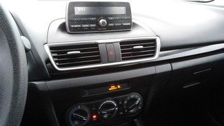 2014 Mazda Mazda3 i Sport East Haven, CT 17