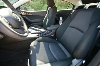 2014 Mazda Mazda3 i Sport Naugatuck, Connecticut 12