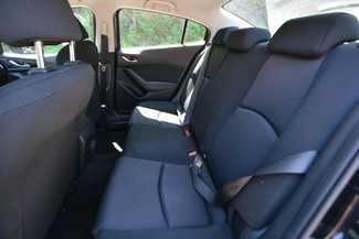 2014 Mazda Mazda3 i Sport Naugatuck, Connecticut 9