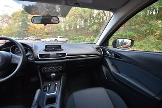 2014 Mazda Mazda3 i Sport Naugatuck, Connecticut 13