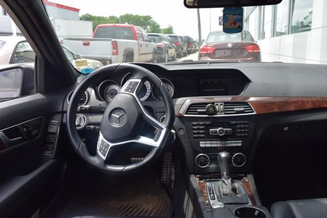 2014 Mercedes-Benz C-Class C300 4MATIC Luxury Sedan Richmond Hill, New York 5