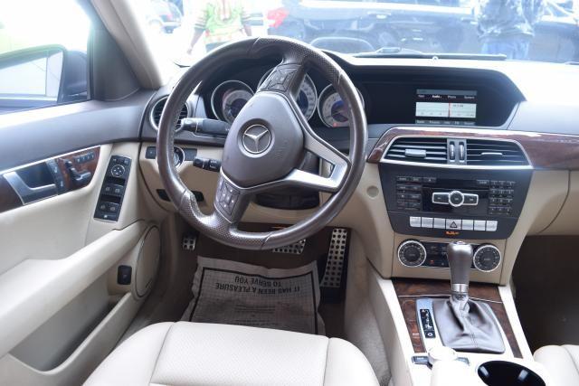 2014 Mercedes-Benz C300 Luxury Richmond Hill, New York 8