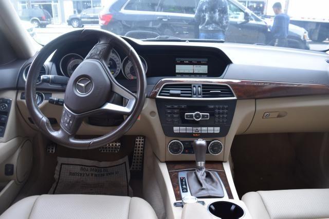 2014 Mercedes-Benz C300 Luxury Richmond Hill, New York 9