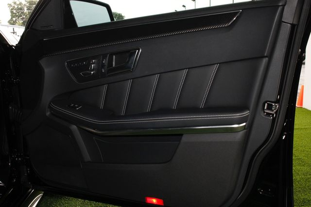 2014 Mercedes-Benz E 63 AMG S-MODEL 4MATIC - DRIVER ASSISTANCE  PKG! Mooresville , NC 50