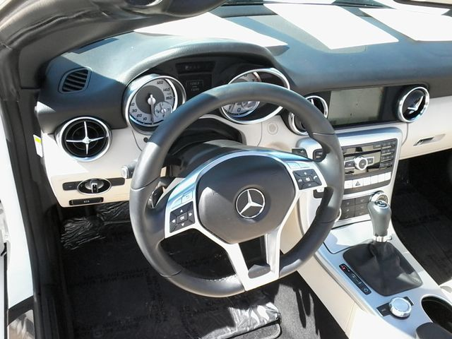 2014 Mercedes-Benz SLK 250 retractable convertible San Antonio, Texas 15
