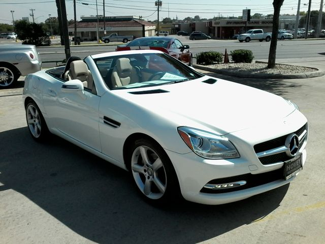2014 Mercedes-Benz SLK 250 retractable convertible San Antonio, Texas 8