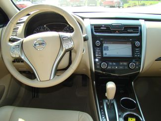 2014 Nissan Altima 2.5 SL Bettendorf, Iowa 11